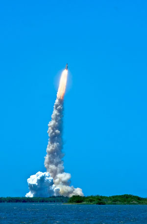 picture of launch from space center